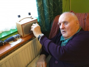 An internet audio player from the British Wireless for the Blind Fund is just one of the many devices improving quality of life for Keith's father.